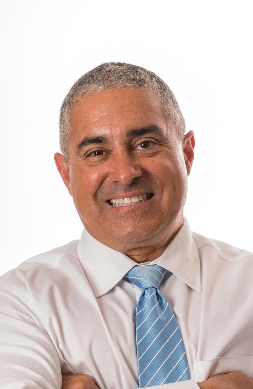 Dr. Luis Ocon